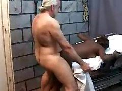 पुराने सफेद आदमी fucks wife ride dick काली लड़की !!!