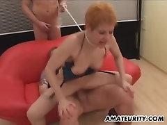 Saksa nabalig bachi Milf grupi seksi tegevust näo