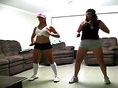 Australian Girls Dance on Webcam non-nude