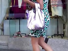 Candid of a sexy lady with hot legs and heels