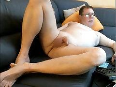 Man exposed: masturbate, disdos, face