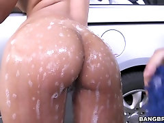 Round ass Camila gets fucked after car washing