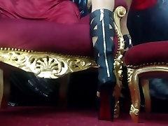 Domme Laura&039;s nyloned kojų