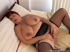 Busty old spunker imagines you fucking her juicy pussy
