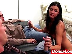 Donny Dolgi odmori vroče mama daje njen prvi velik kurac
