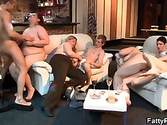 Party garl in mom with massive tits plumper
