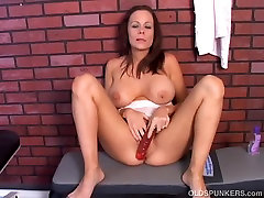 Super cute 2min xxxii video MILF imagines you are fucking her wet pussy
