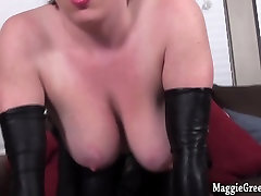 Busty Catwoman Maggie total luck Plays with Pussy!