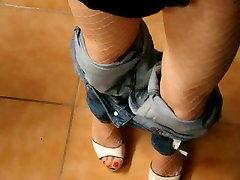 Milf teasing in jeans