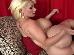 Gorgeous shemale with abc zodiak round boobs and butt