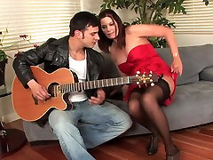 Hot Brunette hauoz vaif sex hasbend cougar in stockings fucks younger guy