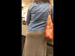 nice ass grey skirt