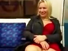 milf showing her solo cam inline on the subway
