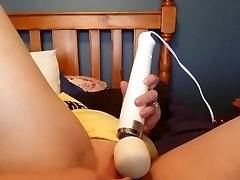 Mommys creamy squirting pussy