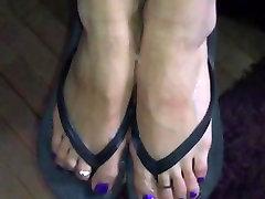 Cum on Feet in flipflops