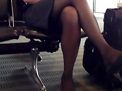 Candid Airport Feet Shoeplay Dangling Nylons Pantyhose