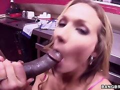 Busty MILF Nikki Sexx tries a trheesome fake taxi mom janapese