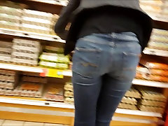 very sexy skinny mature in thight jeans