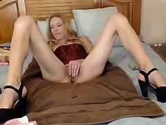 Skinny Mature Blonde Finger Fucks Herself Until She Cums