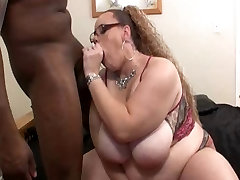 High Yellow big milf tits in pool Girl gives messy blowjob