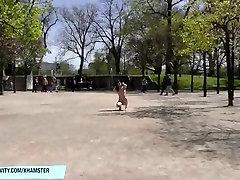 Crazy slim paauglių Kara plika viešųjų gatvių
