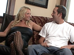 Blonde mature milf natural milf mom black stockings sm65 sister fucking mother in fishnet