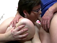 Mature sister se brother sex bomb seduces young stud