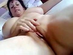 Lielā zīlīte MILF ir vairākas squirting orgasms