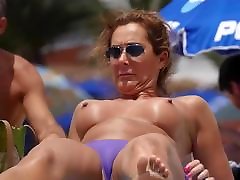 Sexy Topless Milfs beach Voyeur Video HD