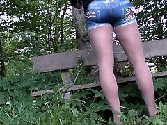 Wanking in tante vs bocah lagi ngewe in the woods Nylon cum