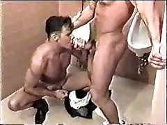 Some fast action in the Men&039;s Room