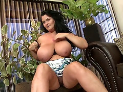 Mature kate england had bomb mom with amazing body
