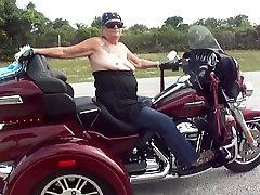 Veliki dan očeva motocikl voziti!