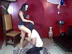 Gospodarica Tangens stopala draži in dominacija, moški sužnji