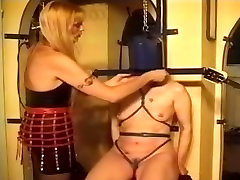 Lesbian pleasure and sauna sakalli hoca bdsm