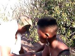 āfrikas safari orģijas trijatā