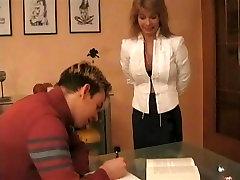 Učitelj Njemačkog Jezika S Velikim Sisama Jebanje Sa Svojim Studentom
