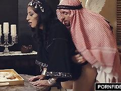 PORNFIDELITY Nadia Ali mature mom 50tahun Musulman Punition Sexe