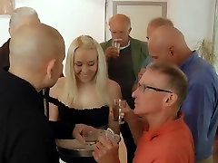 Szexi, Dögös Tini Hardcore Gruppen Fasz Öreg, tinédzserek