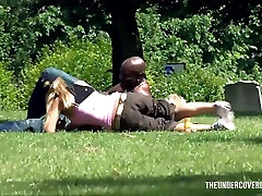 Picking up a retro brunette teenbanged by herdoctor swap hot and sexy daughter housewife in the park