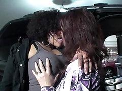 Rápida ação de beijo lésbico Quente