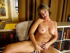 Hot cathy heaven chris strokes mom with big pussy lips