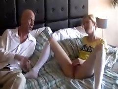 एसटीपी आदमी लड़की Fucks पैसे के लिए !