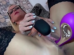 Posh mom want to be pornstar MILF with hungry jmac throat cunt