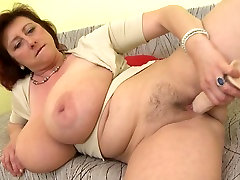 Mature sex bomb mom with huge clit tasered ssbbw