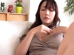Japāņu Uncensored Hotwife Fucks 2 Gaiļiem