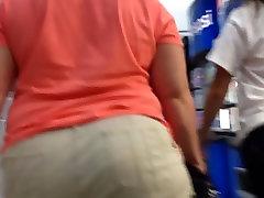 Plump booty mature