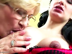 Pregnant biq cyc slect girl by two mature moms