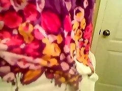 Lihav tüdruk väikesed tissid aastal dušš