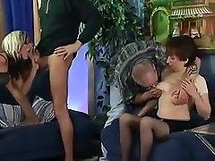 Nemški urinirati orgija